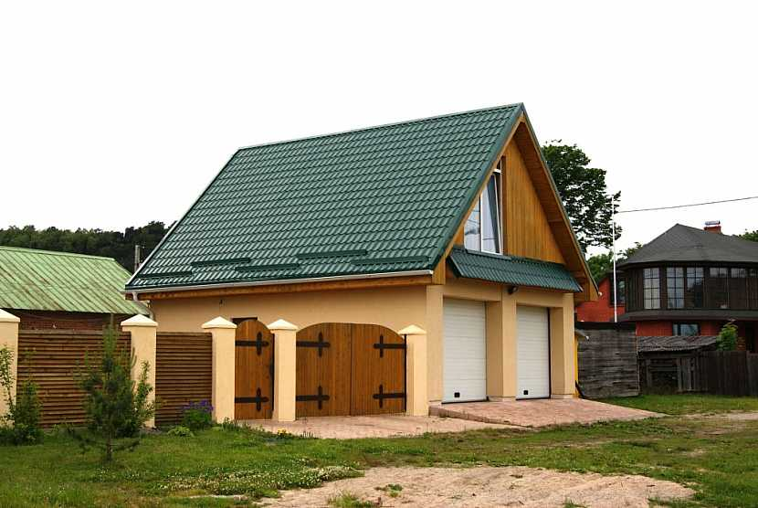 Strmá střecha vyžaduje velmi kvalitní provedení kvůli odolnosti