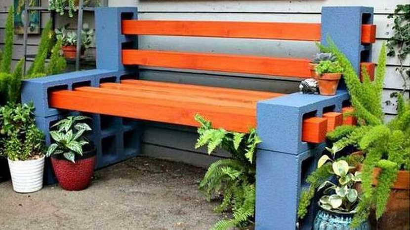 Netradiční lavičky do zahrady: zbytky ze stavby