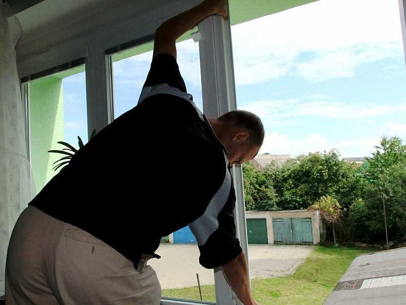 Létající hmyz nebude mít šanci se síty proti hmyzu