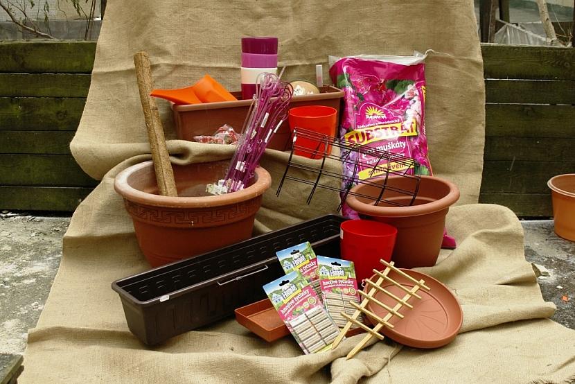Pro výsadbu využijete různé pěstební nádoby a další pomůcky