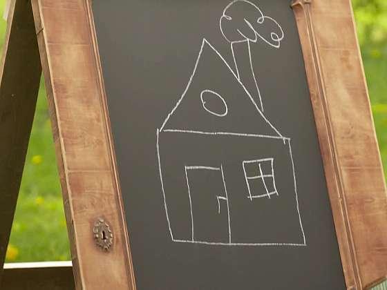 Děti už vám po zdi čmárat nebudou. Vyrobte jim tuhle vychytávku (Zdroj: Prima DOMA MEDIA, s.r.o.)