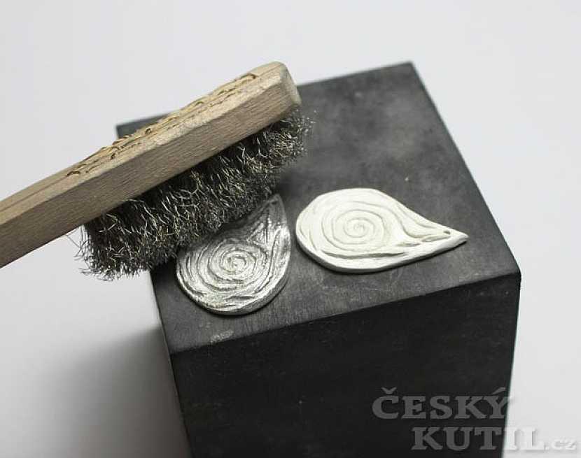 Art Clay Silver – výroba náušnic z modelovacího stříbra