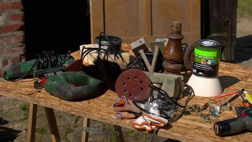 Materiál, nástroje