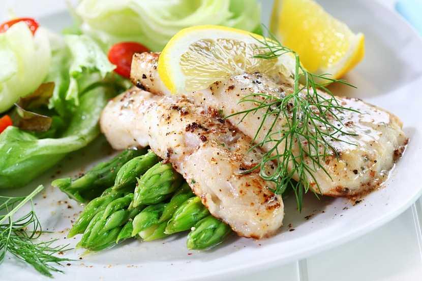 Během postní doby by měla být dodržována střídmost v jídle. Jíst by se měly hlavně ryby, zelenina a zeleninové saláty a různé druhy polévek