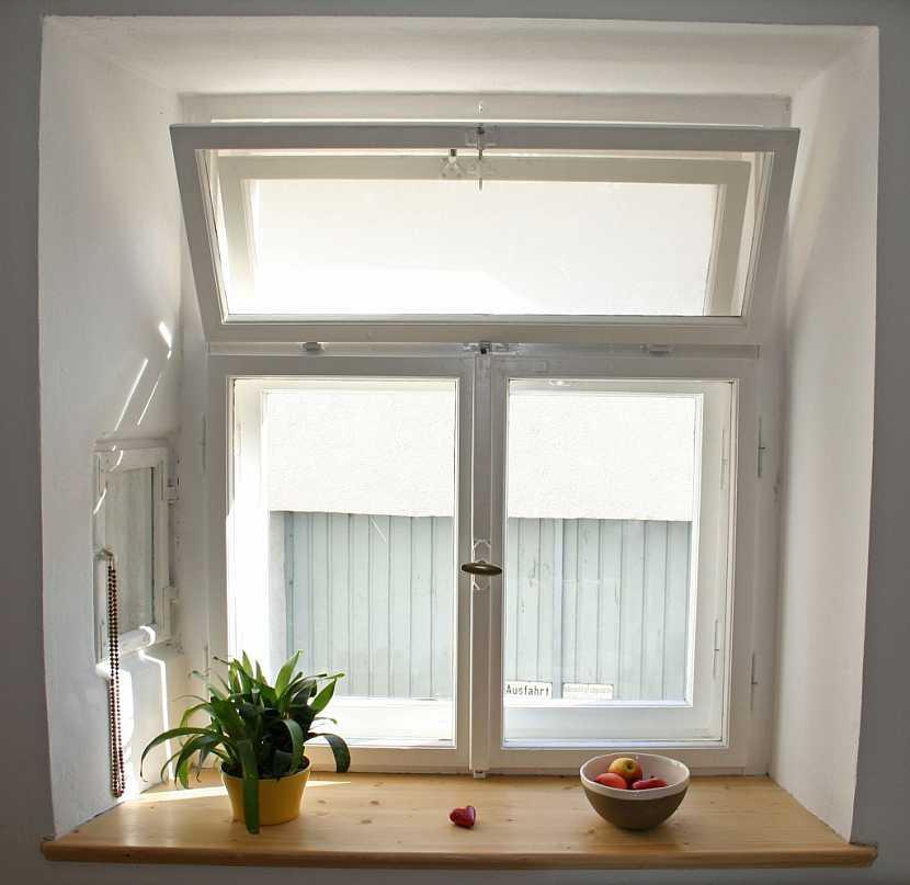 Původní okna lze důsledným nátěrem renovovat
