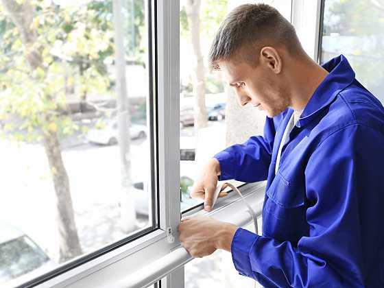 Co prodejci raději neříkají? Místo celých oken stačí vyměnit jen skla (Zdroj: Depositphotos)