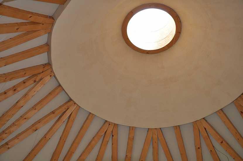 Skvěle se doplňují s ostatními přírodními materiály jako dřevo aj.