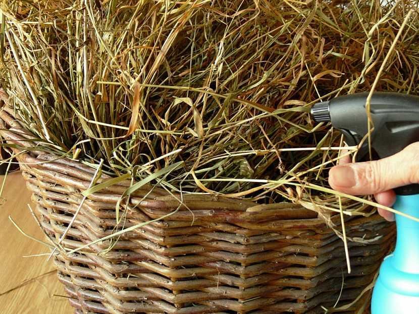 Jak vyrobit košík ze sena