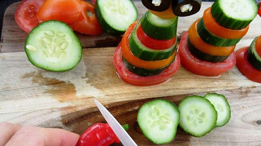 Panáčci ze zeleniny aneb Vesele a hravě na zdravou pochoutku s česnekovou pomazánkou 9