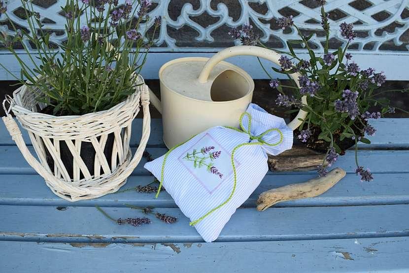 Vonný sáček s levandulí: sáček zavažte
