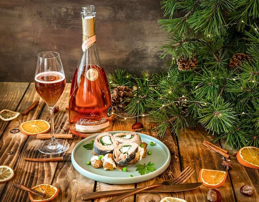 Roláda z lososa na páře s bramborovým salátem BSP Rosé_l