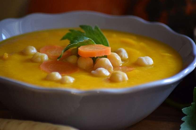 Krémová polévka z dýně Hokkaido: polévku servírujte