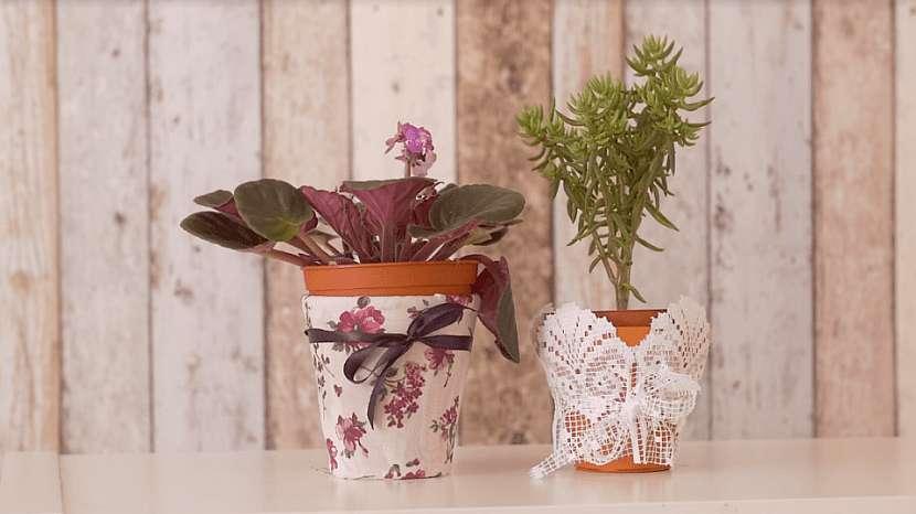 Dárkové obaly na květináče: Pohrajte si s krajkou