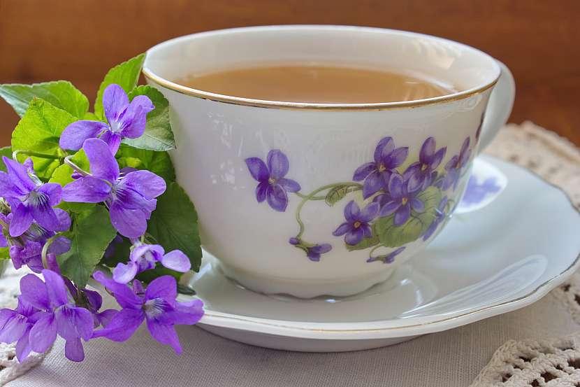 Fialkový čaj