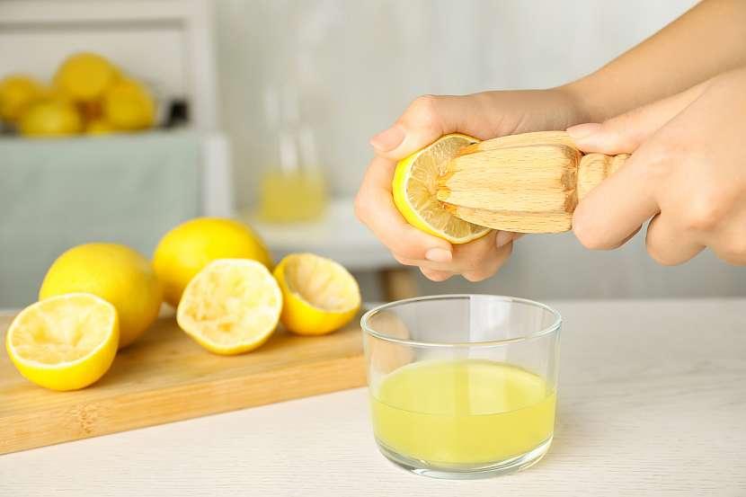 Mačkání citronů