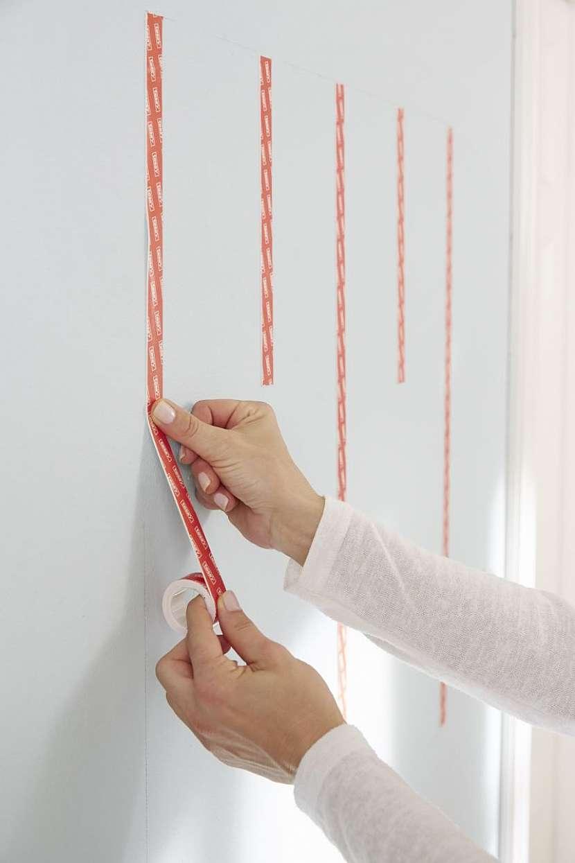 oboustranné páska na zeď