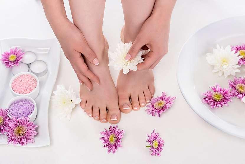 Užijte si teplou koupel s přípravky, které změkčí a zjemní vaši kůži