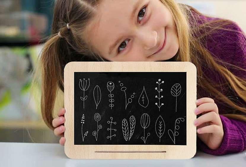 Dřevěná tabulka na kreslení i do školy