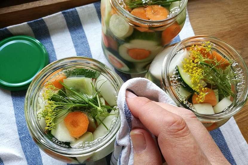 Nakládaná zelenina jako dárek aneb Jak vytvořit z malé úrody velkou radost 10
