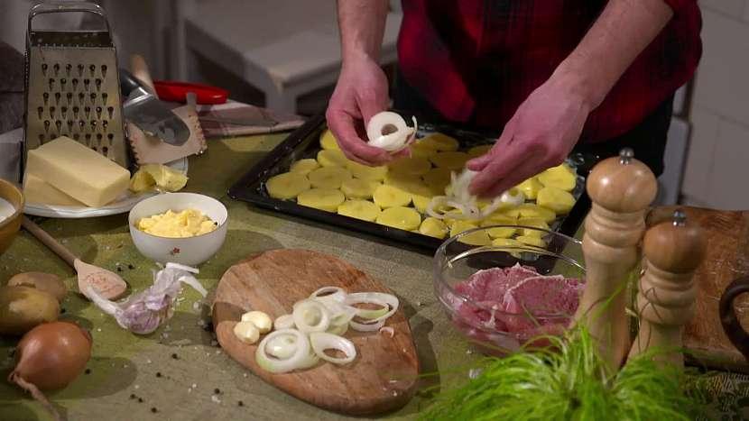 Cibule na pekáči