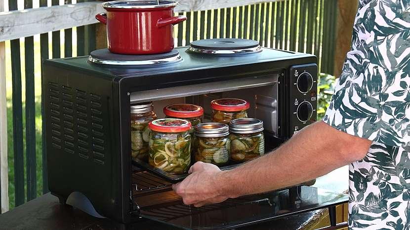 Recept na americké okurky: zavařujeme na plechu v troubě