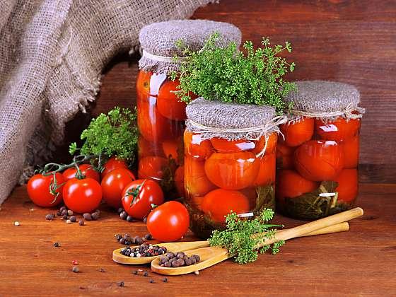 Sezóna rajčat je téměř na konci, úrodu můžete usušit či naložit do oleje (Zdroj: Depositphotos (https://cz.depositphotos.com))