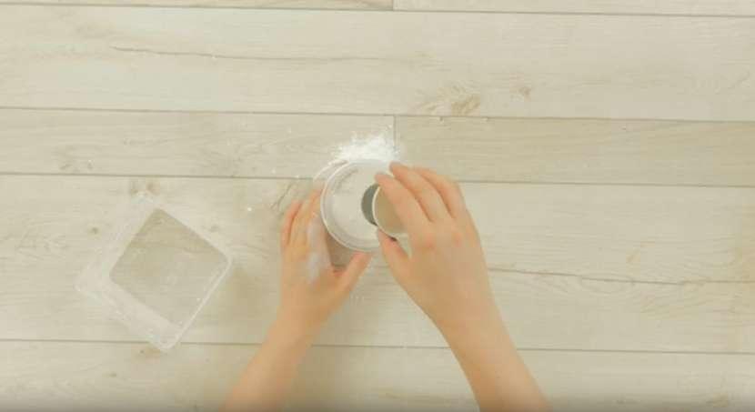 Sádrový květináč: Tvoření ze sádry je rychlé a jednoduché 3