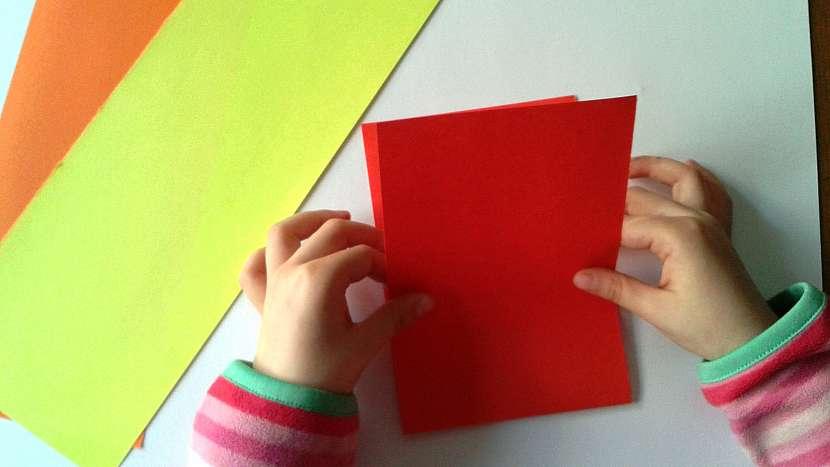 Dětské kuželky: připravtebarevné papíry