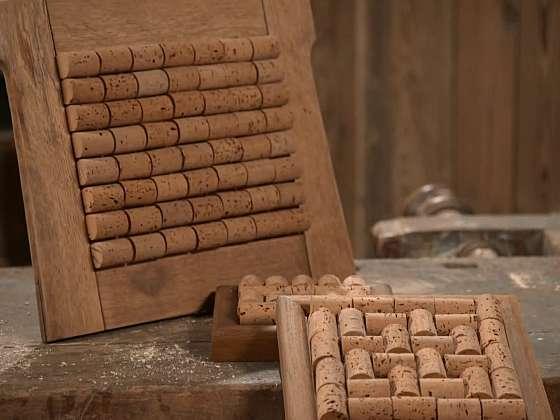 Z korkových zátek si vyrobte prima podložku do kuchyně (Zdroj: Prima DOMA)
