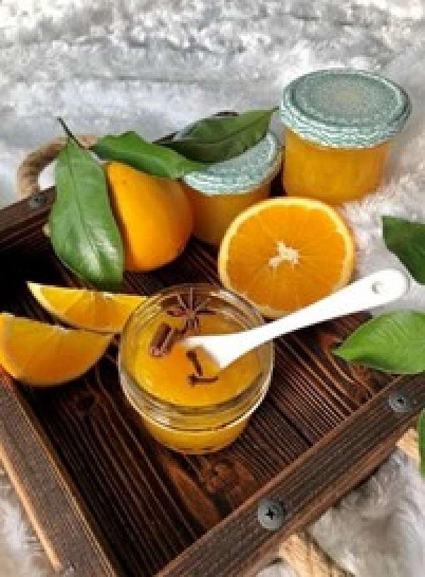 Zimní pomerančová marmeláda s vůní Vánoc vám zpříjemní sváteční dny