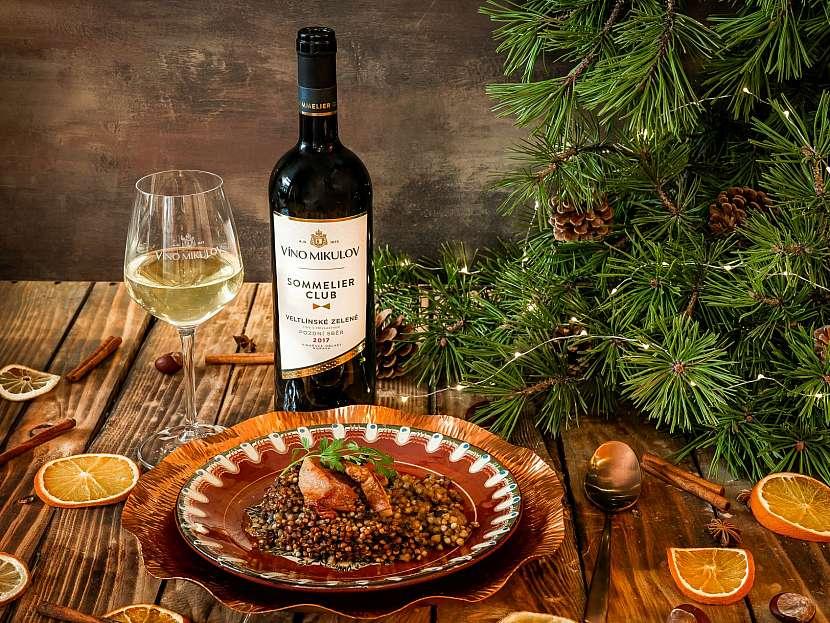 Vánoční kuba s houbami a křupavým škvarkem VMSC Veltlínské zelené_l