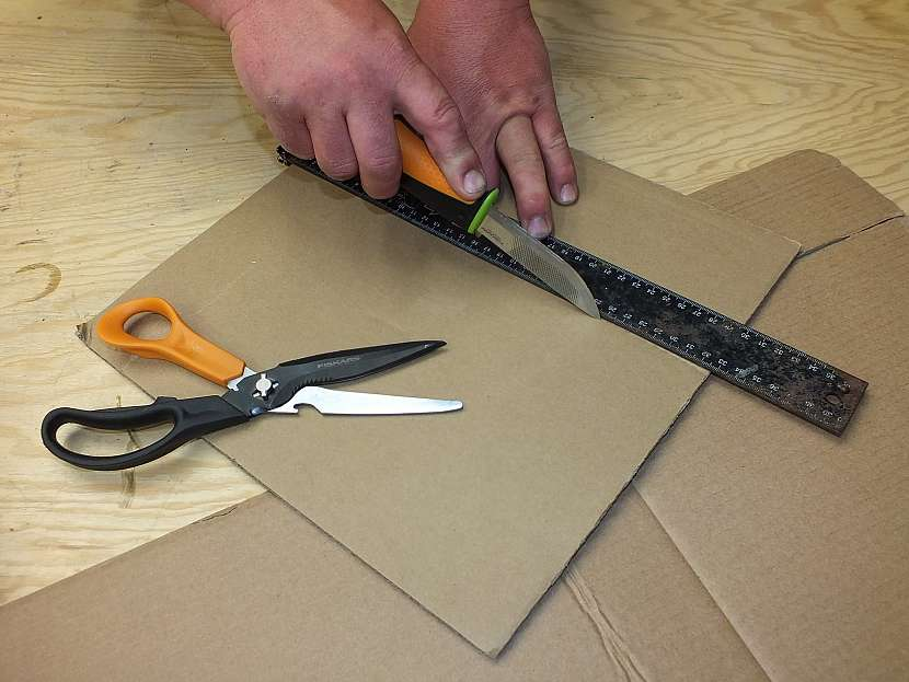 Hrad z kartonu: vyrobíme základ hradní věže