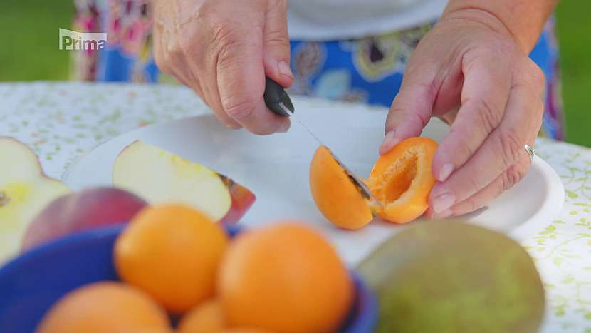 Rozkrojená meruňka