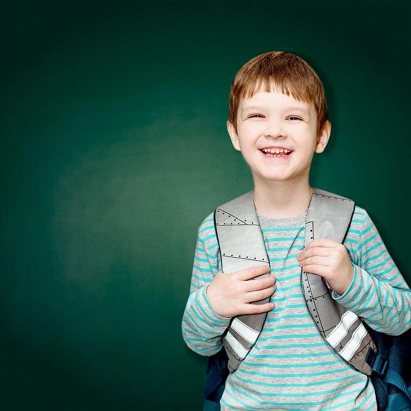 Reflexní prvky na školní tašce