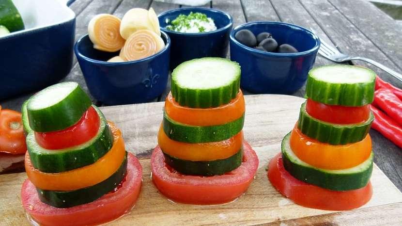 Panáčci ze zeleniny aneb Vesele a hravě na zdravou pochoutku s česnekovou pomazánkou 4