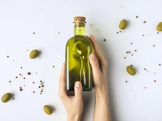 Olivový olej, zázračný to elixír, který nemusíte používat pouze v kuchyni (Zdroj: Depositphotos)