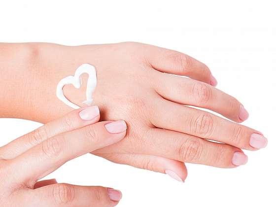 Pečujte o své ruce domácími prostředky (Zdroj: Depositphotos)