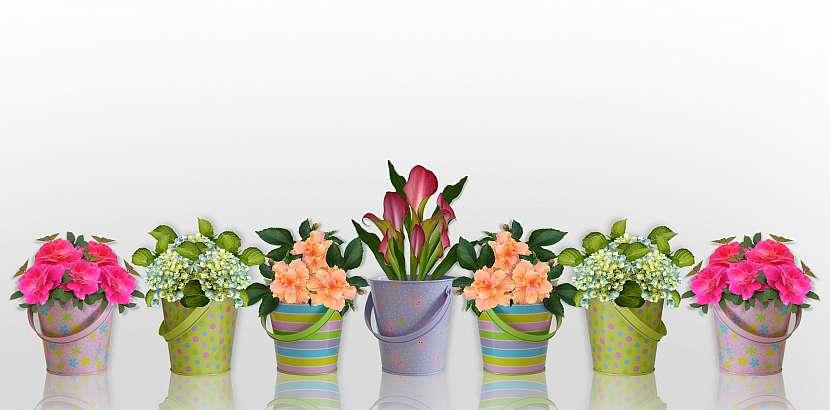 Květináčky v pastelových barvách