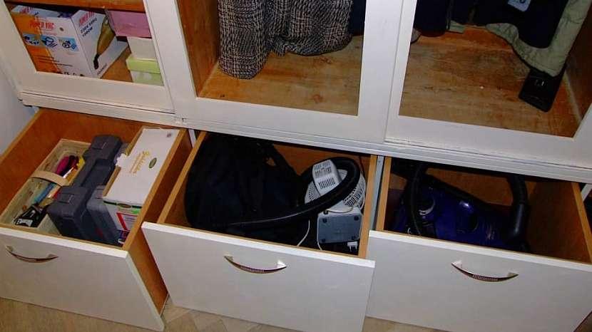 Jak udělat úložný prostor pod starou skříní 4
