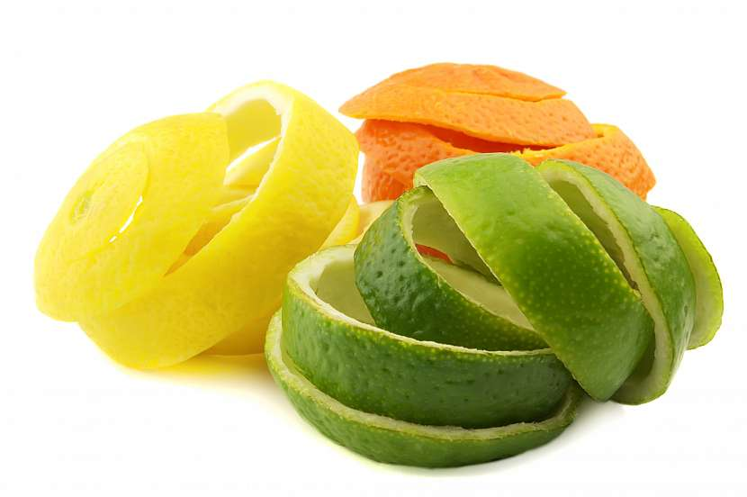 Slupky z citrusů, limetky, citronu a pomeranče