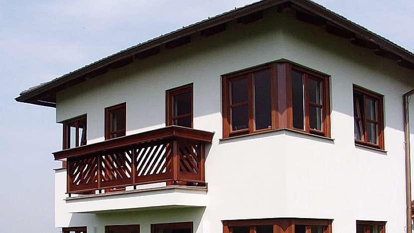 Rohová okna mohou být řešena i přes nároží