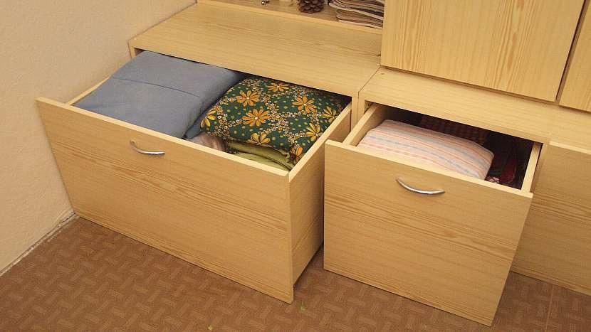 Jak udělat úložný prostor pod starou skříní 5