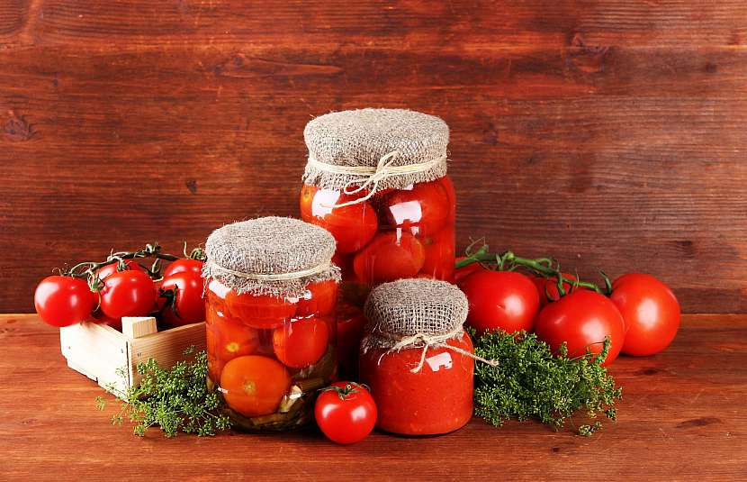 Konzevovaná rajčata na několik způsobů