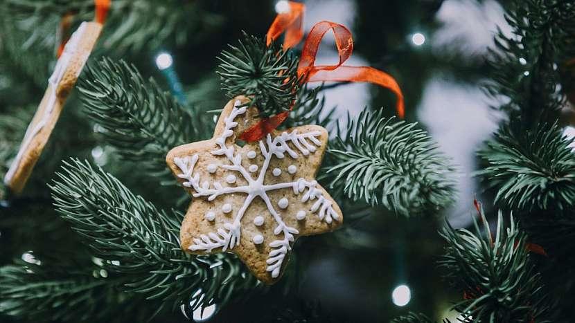 Průvodce třetím týdnem adventu: zdobení vánočního stromečku