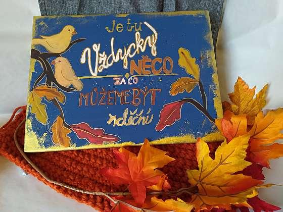 Podzimní dekorace může mít rovněž i podobu motivační cedule (Zdroj: Adriana Dosedělová)