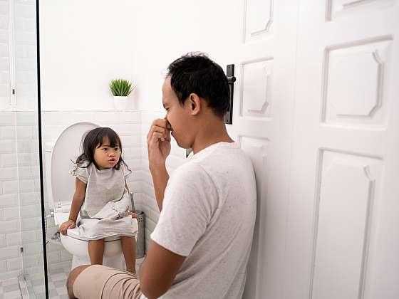Místo zacpání si nosu vyzkoušejte přírodní vůni na toaletu (Zdroj: Depositphotos (https://cz.depositphotos.com))