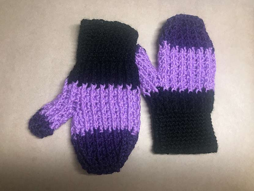 Háčkované rukavice: druhá rukavice