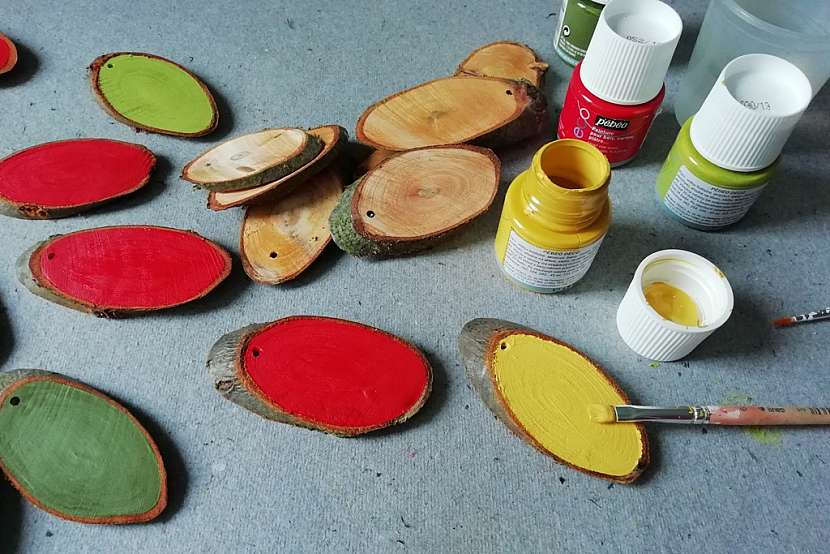 Velikonoční vajíčka: oválky natřete barvou