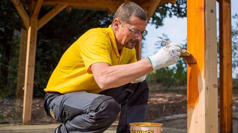 Jak vrátit pel dřevěnému altánu, pergole či zahradnímu domku 5