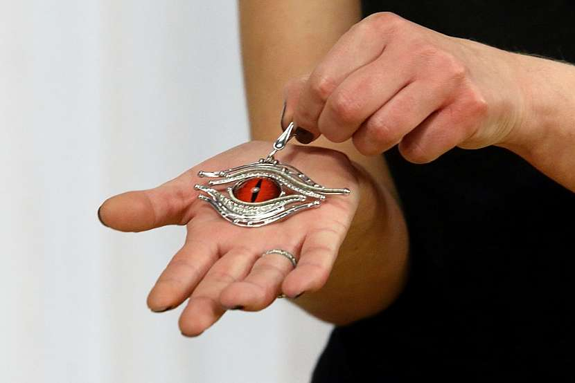 Cínování a technika Tiffany: Vyrobte si s námi amulet pro štěstí